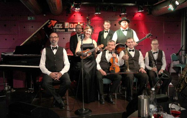 ADELA ZEJFARTOVA with her band