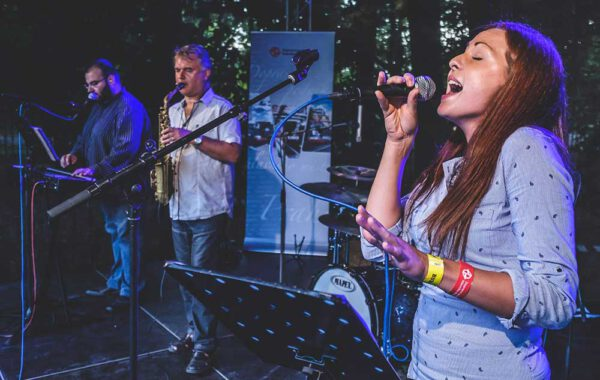 PETRA BAREŠOVÁ with the band